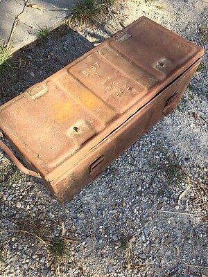 australian army trunk Original 1943 Stamped  (military/industrial) Rustic