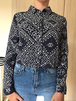 Ladies H&M Navy and White Mandala Patterned Cropped Collared Shirt UK Size 6