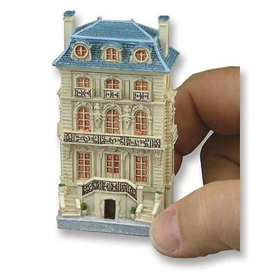 DOLLHOUSE MINIATURE DOLL HOUSE by Reutter Porcelain Scale 1:12