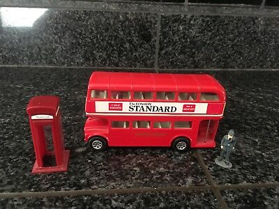 Corgi Toy Metal Double Decker Bus The London Standard With Cop And Phonebooth.