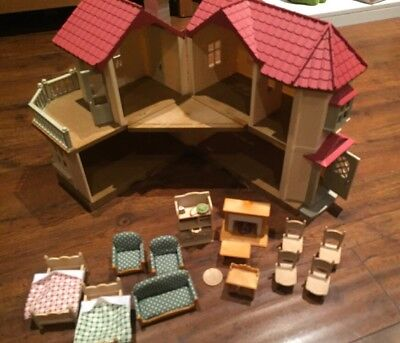 Sylvanian Families - Beechwood Hall *Pre-Owned*