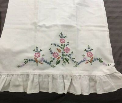 Vintage Hand-Embroidered Floral White Cotton Standard Pillow Case Ruffled EUC