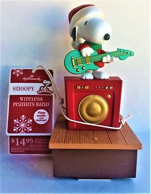2011 Hallmark Peanuts Wireless Band - Snoopy Playing the Guitar