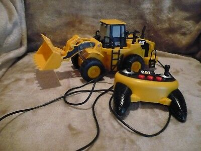 Toy State  Caterpillar CAT Escavator Front End Loader with Remote Control