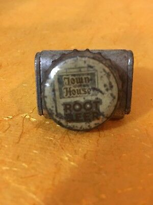 Town House Root Beer soda pop crown cap