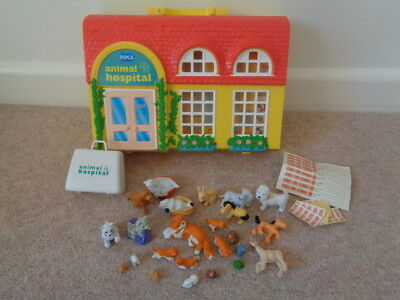 Vintage Puppy in My Pocket Animal Hospital 1996 Playset Carry Case Animals