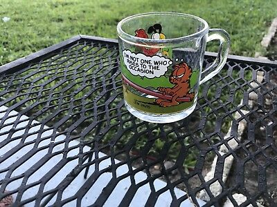 1980s McDonalds GARFIELD ODIE + Friends GLASS MUG - Seesaw Rise to the Occasion