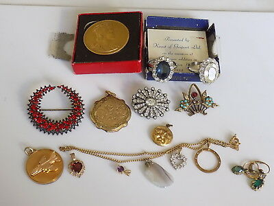 Job Lot of Antique and Vintage Costume Jewellery rings locket brooches pendants