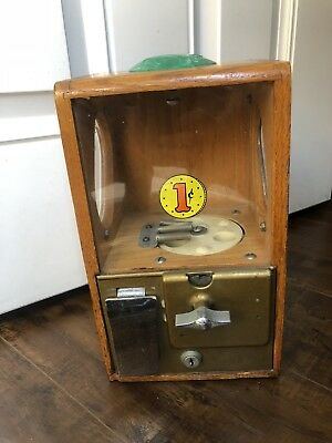 Victor Vending Co .Baby Grand  Penny 1 Cent Candy/Gumball Machine Candy-w/ Keys