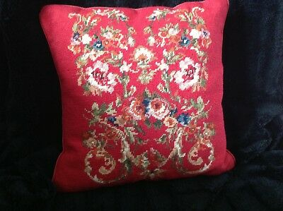 """RED ROSÉ 16"""" x 16"""" NEEDLEPOINT PILLOW.  ZIPPER, VERY SOFT.  VERY GOOD PRE-OWNED"""