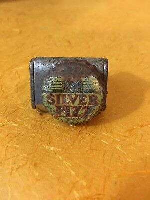 Silver Fizz soda pop bottle crown cap
