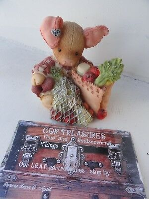 1994 THIS LITTLE PIGGY WENT TO MARKET FIGURINE by Enesco