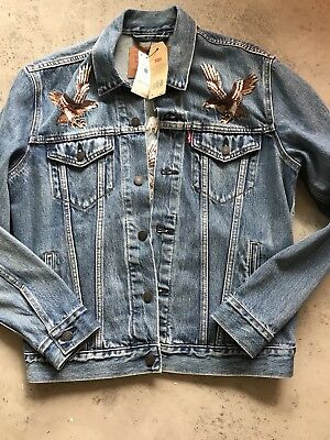d69d3c8a LEVIS Denim Jacket Embroidered Japan Tokyo Eagle Birds sz M Trucker Men  supreme