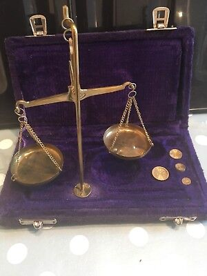 Vintage/old Jewlery Scales In Box