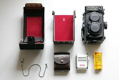Yashica Mat 124G with Extras (kodak film, sixon light meter, case, lens cover)