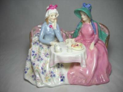 Lovely Royal Doulton Afternoon Tea Figurine HN 1747 Excellent Condition
