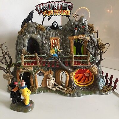Lighted Halloween Haunted Fun House Dept 56 Snow Village Animation Spooky Figure