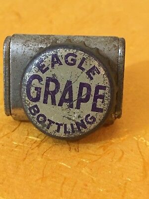 Eagle Bottling Grape soda pop bottle crown cap