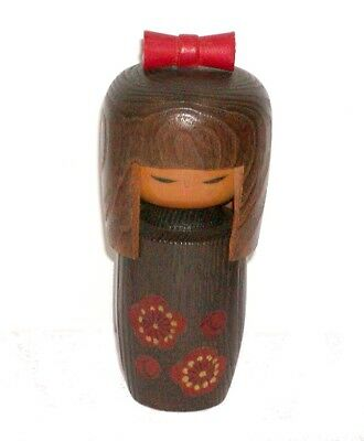 JAPANESE WOOD KOKESHI DOLL YOUNG LADY w/ BROWN KIMONO & LARGE RED HAIR BOW !