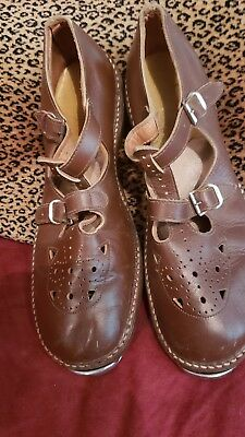 Vintage 1950s Children's LEATHER TAP SHOES SIZE 2 1/2  Continental Tap Brown