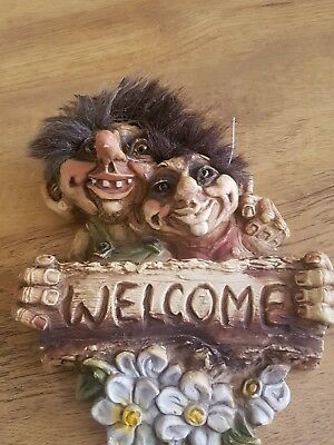 vintage ny form trolls welcome plaque