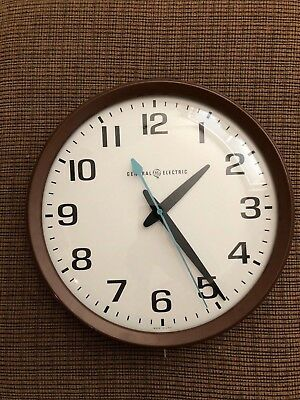 General Electric Wall Clock Vintage Classic 1960's Model 2012 Made in USA