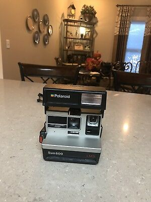 Polaroid  Sun 600 LMS  Instant Camera  Vintage with Strap
