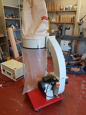 dust extractor Axminster