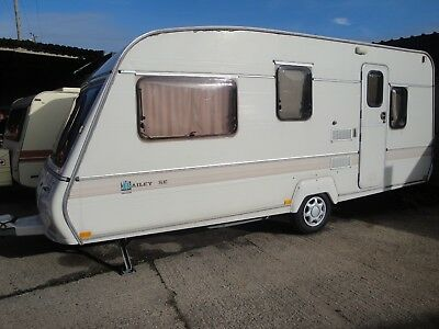 BAILEY Auvergne    4/5 berth caravan  1995