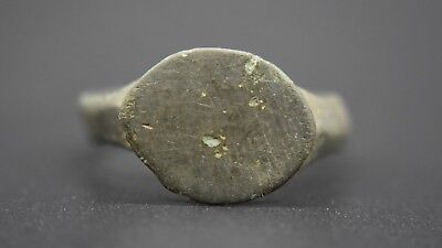 Ancient Roman bronze finger ring C. 1st - 3rd century AD