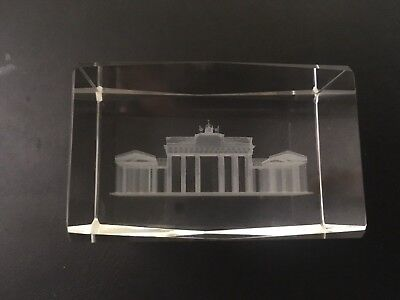 Brandenburger Tor 3D in Glas gelasert