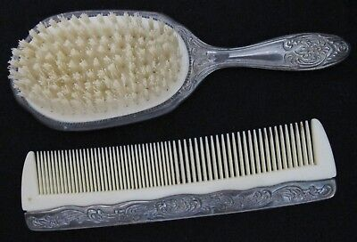 Collectible Old Vintage Comb And Brush Set  PLEASE LOOK AT PICTURES Lot 91818