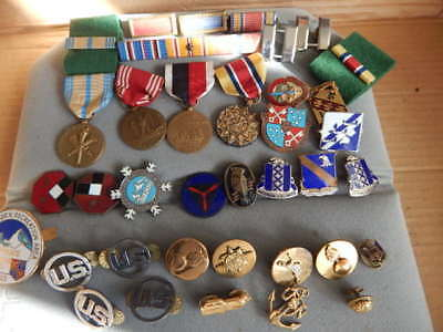 Huge Vintage Lot Of WW2  US Military Ribbons-Medals-Unit Pins-Wing Pins