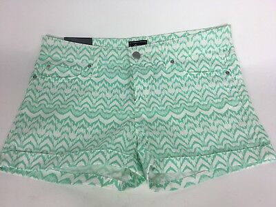 GAP 1969 Women's Shorts Cuffed Ikat Chevron White Green Printed SZ 8 Nwt
