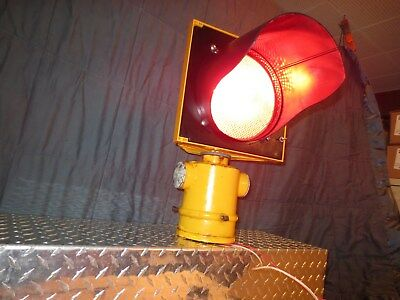 TRAFFIC SIGNAL DURASIG Stop Beacon 8 Vintage Glass Reflector & Bulb