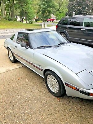 1984 Mazda RX-7 GLS-SE 1984 Mazda RX7 GLS-SE 110k miles very clean antique car