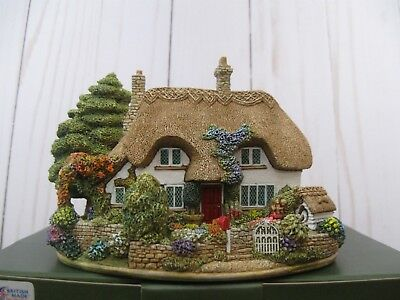"""Lilliput Lane L2406 """"The Dog House"""" Mint in original box with deed."""