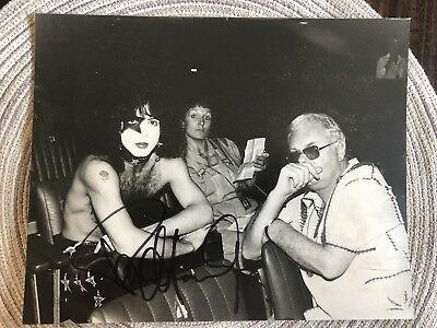 KISS Paul Stanley Signed 8x10 Extremly Rare Photo With Parents LOOK RARE REAL