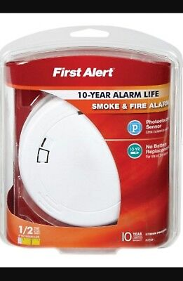 First Alert Photoelectric Smoke Detector Alarm 10 Year YR Battery-SHIPS ASAP