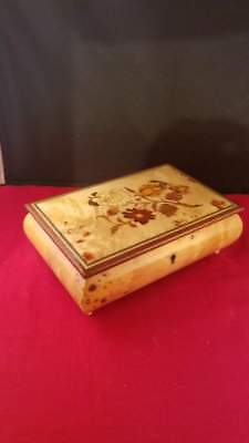 VINTAGE ITALIAN HAND CRAFTED INLAID WOOD FLOWERS JEWELRY MUSIC BOX KEY 8x5x3""