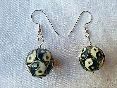 Vintage Chinese Cloisonne Enamel Black/White Yin Yang Beads 925 Silver Earrings