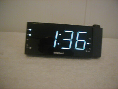 AM/FM Digital Clock Radio with Projection Feature