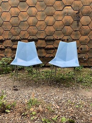 Mid Century Modern Pair Molded Fiberglass Origami Side Chairs Paul McCobb 1950s