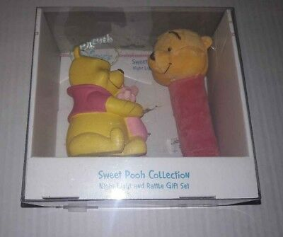 Infant Disney Winnie Sweet Pooh Night Light & Soft Plush Rattle Gift Set New