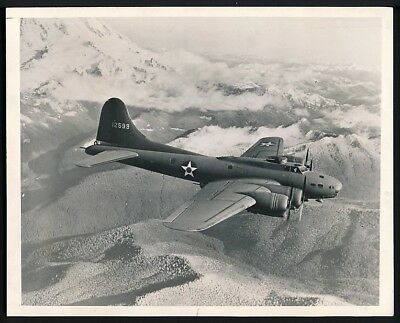 1942 Original Photo WWII - U.S. Army Air Force B-17 FLYING FORTRESS Bomber