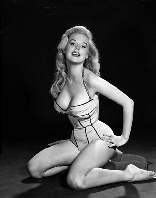 WW2 Photo WWII Betty Brosmer Starlet  Pinup Girl Korean War World War Two/ 8035