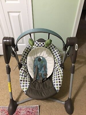 Graco Light Weight Portable Gliding Swing