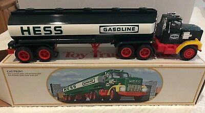 **Vintage** 1984 HESS TRUCK - TOY TRUCK BANK - NEW IN BOX