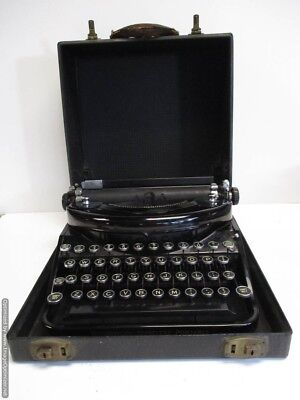 Antique 1920's UNDERWOOD NOISELESS TYPEWRITER  In The Original Case