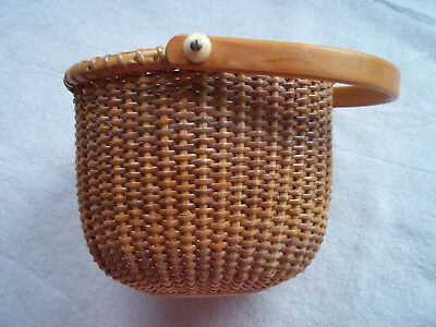 """Nantucket light ship oval basket with swing handle 6"""" by 5"""" good condition"""